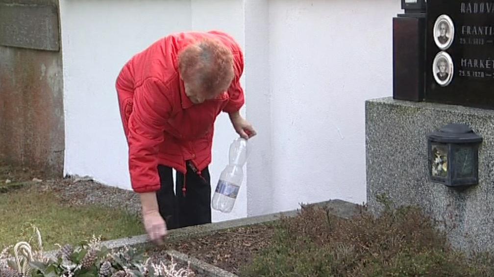 Dagmar Fialová si musela vodu na zalévání nosit z domu