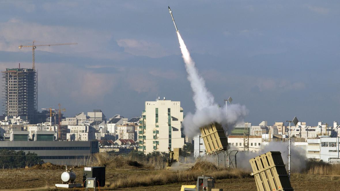Izrael pálí protiraketovou střelu