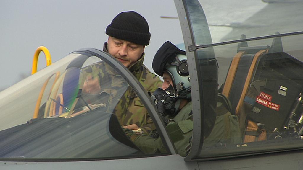 Pilot nadzvukové stíhačky