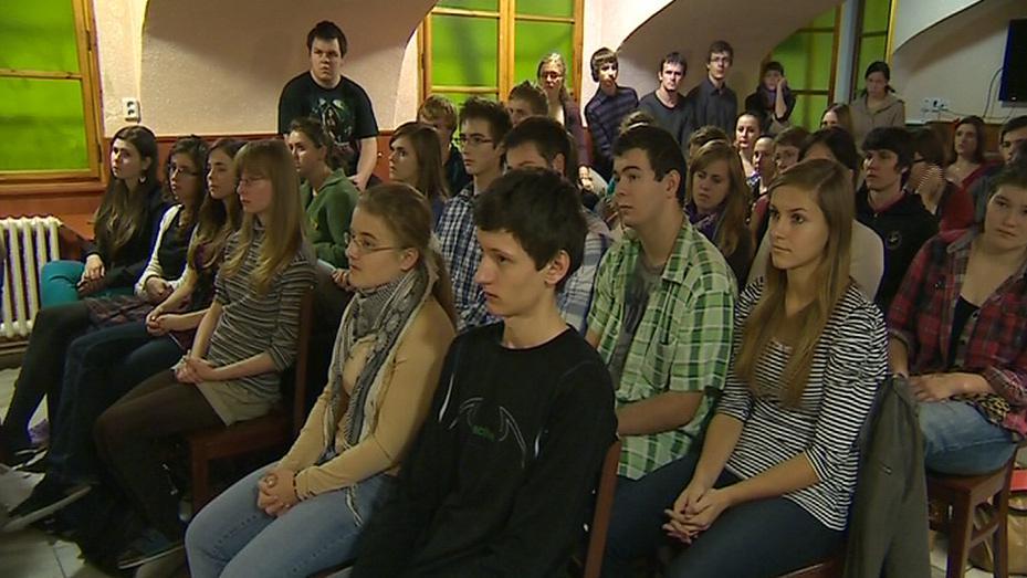Krejčík diskutoval se studenty arcibiskupského gymnázia