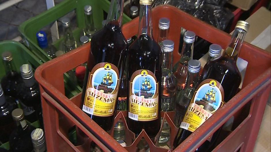 Policisté zabavili 4 500 litrů pančovaného alkoholu