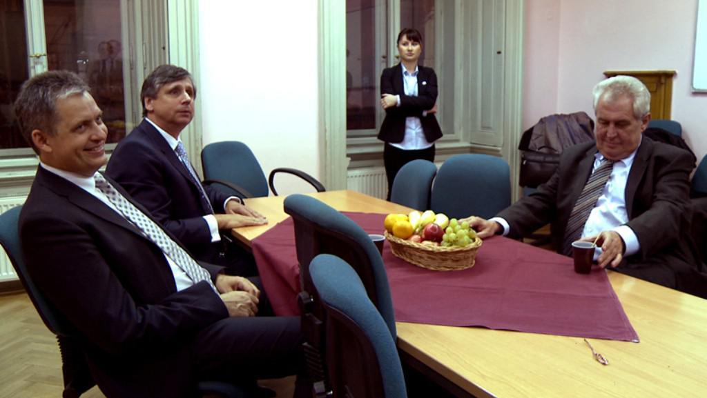 Hledá se prezident / Jiří Dienstbier, Jan Fischer, Miloš Zeman