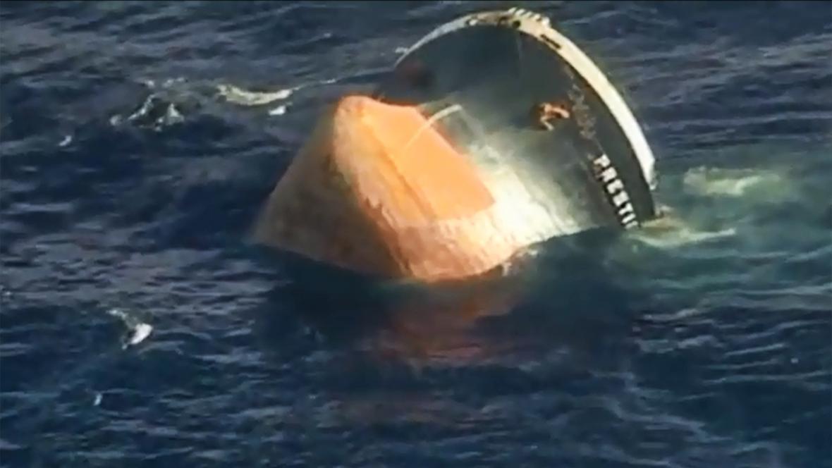 Potápějící se tanker Prestige