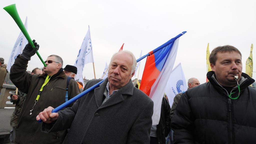 Bohumír Dufek (uprostřed)