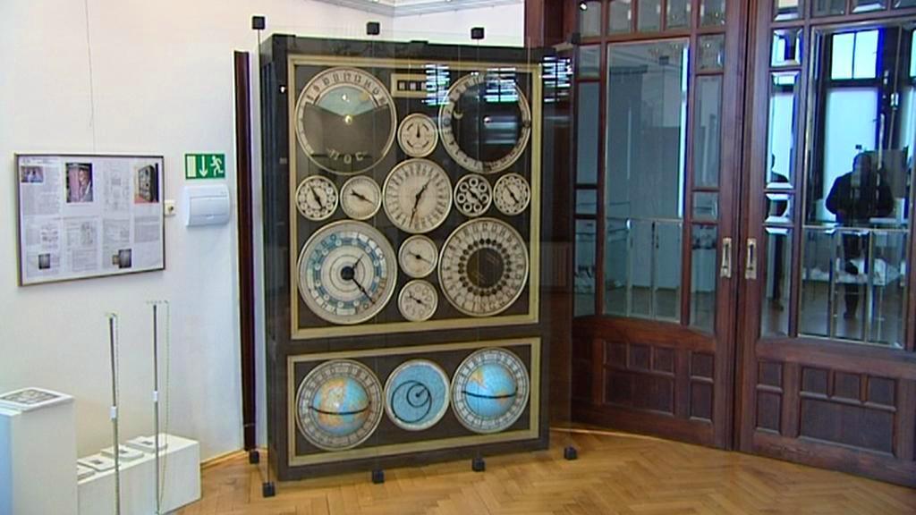 Salonní orloj Františka Planičky