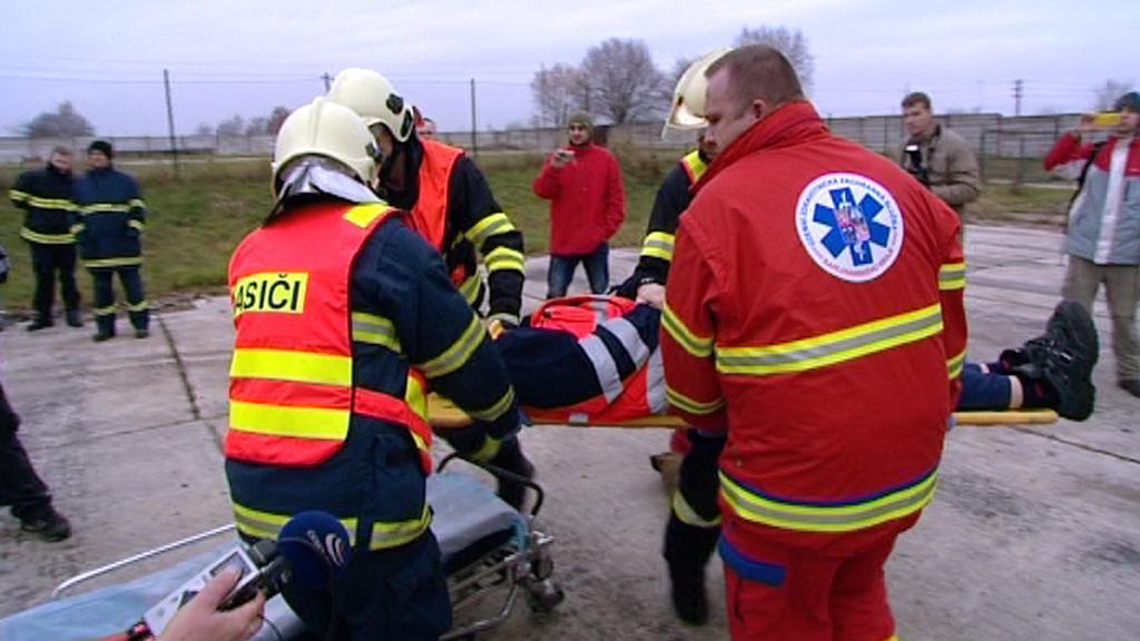 Společné cvičení hasičů a zdravotníků