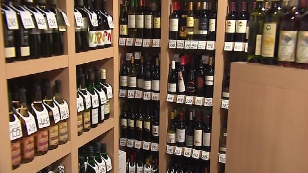 Víno by nemělo být na pultech obchodů
