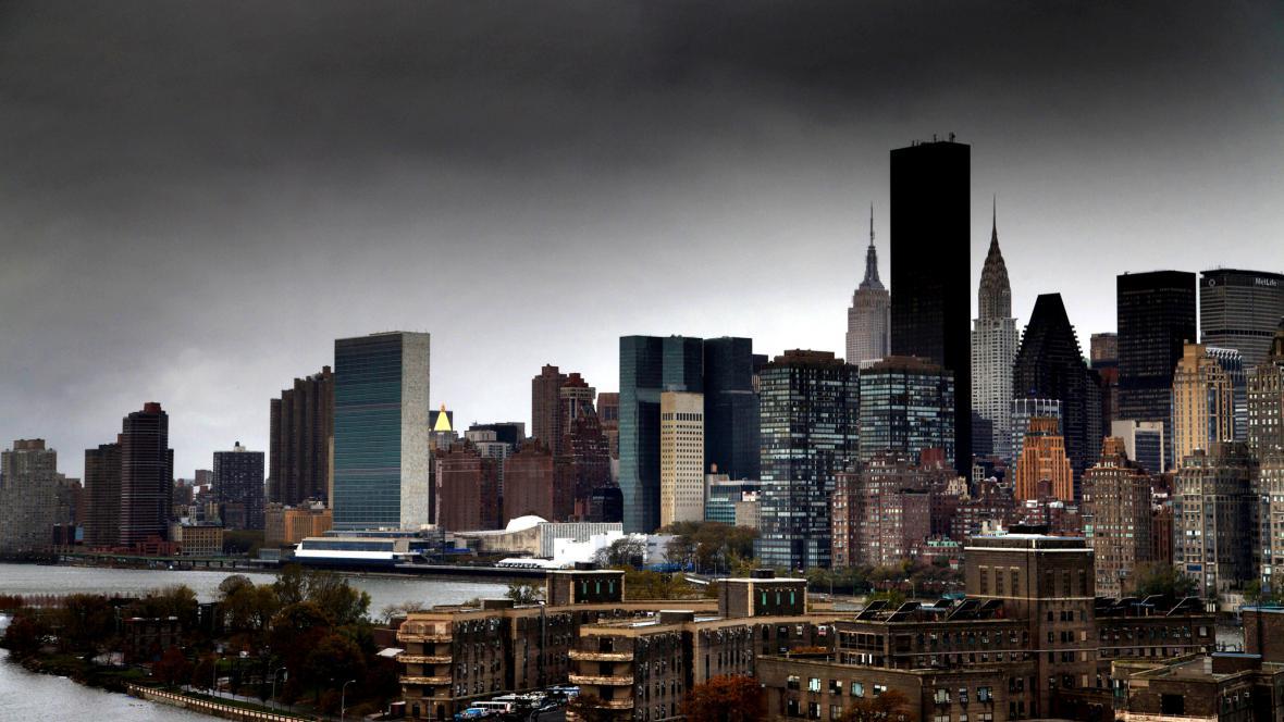 New York bez proudu po bouři Sandy