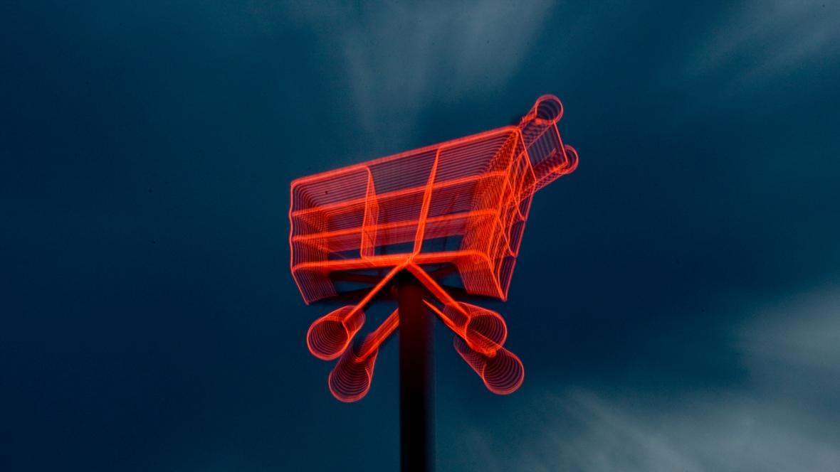 Nákupní vozík - ilustrační foto