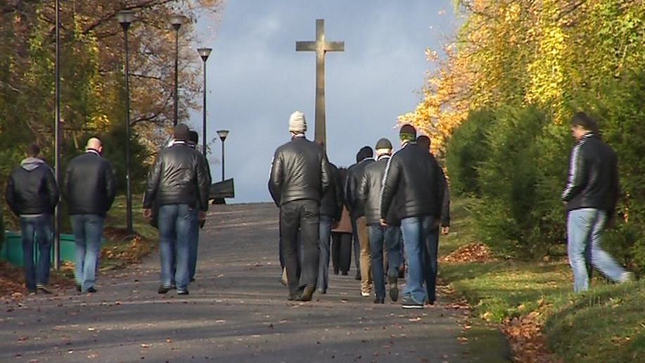 Hokejisté jdou navštívit hrob Karla Rachůnka