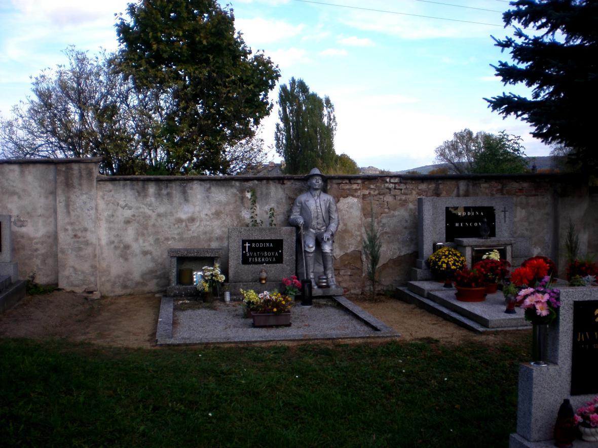 Ze hřbitova v Košticích