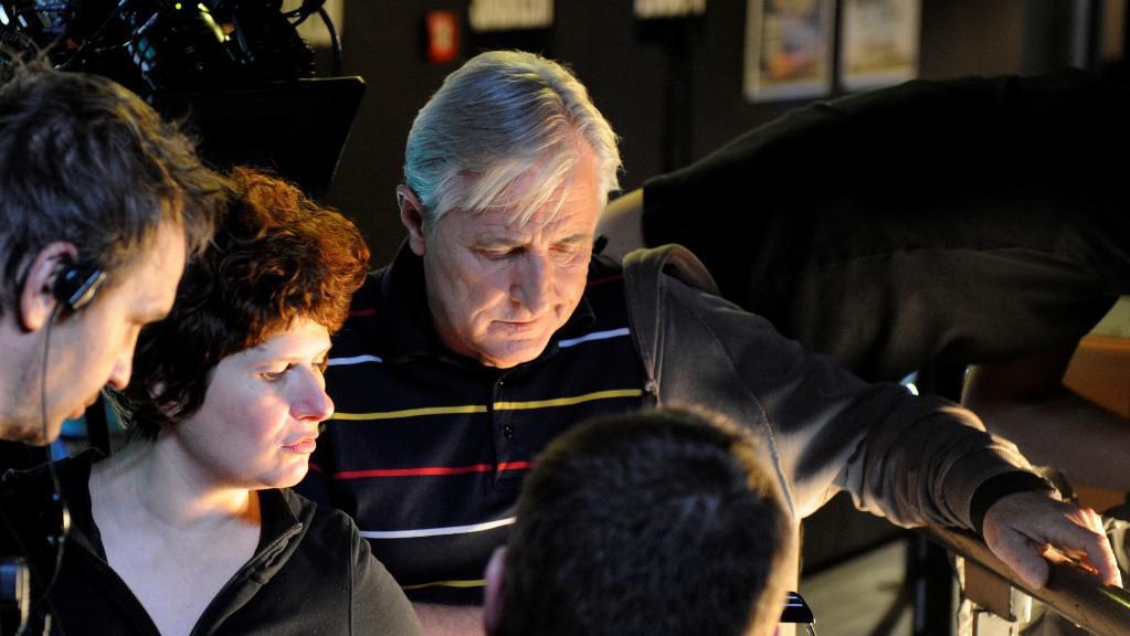 Alice Nellis natáčí Revival, vpravo herec Karel Heřmánek