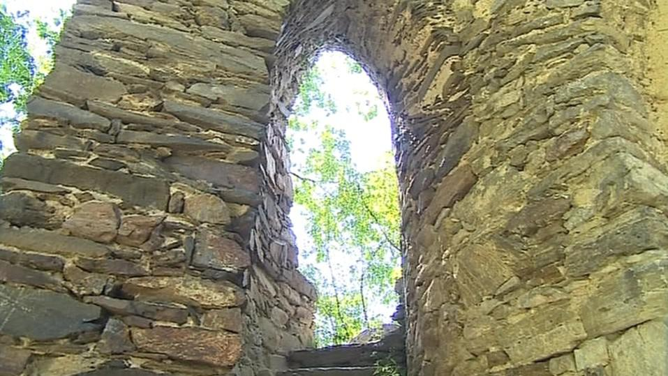 Rozhledna z roku 1801 připomíná středověkou stavbu