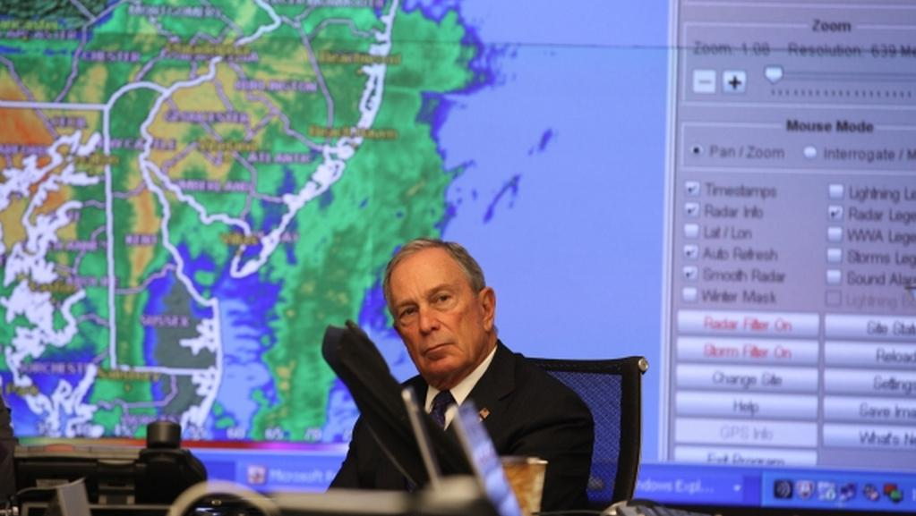 Newyorský starosta Michael Bloomberg v krizovém štábu