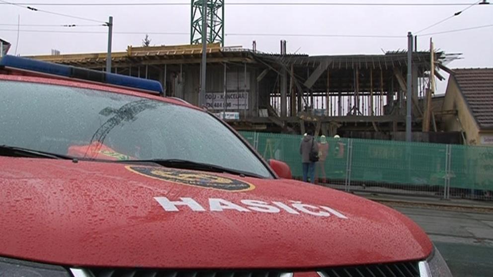 Muže zavalil strop v rekonstruovaném domě