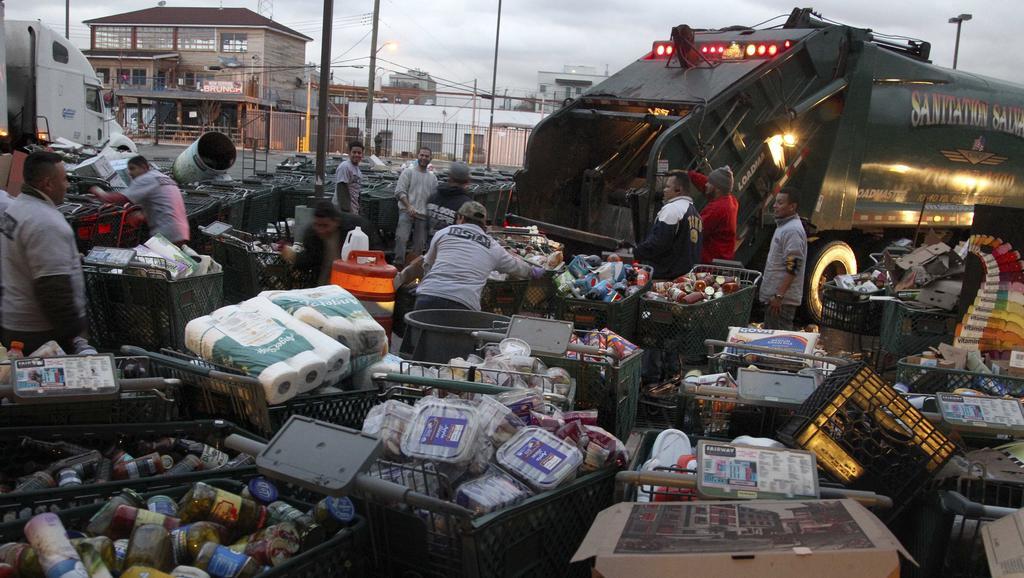 Shromážďování potravin na prostranství v Brooklynu