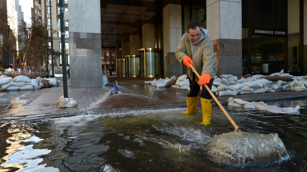 V New Yorku se uklízí po Sandy