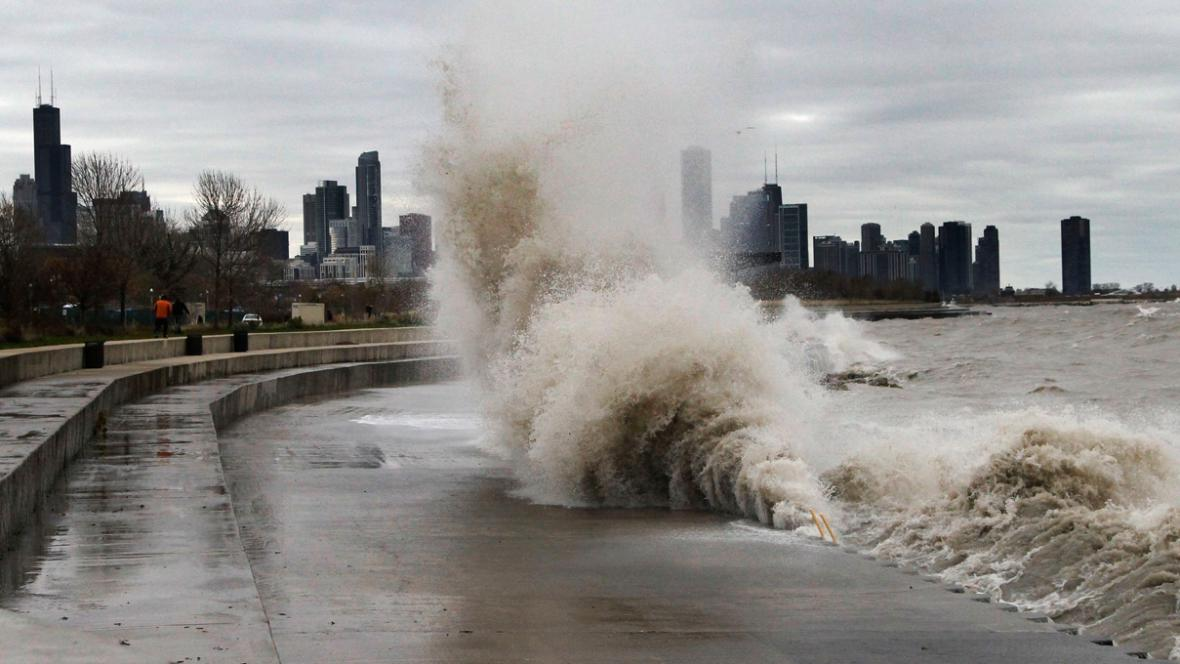 Vlny na Michiganském jezeře u Chicaga