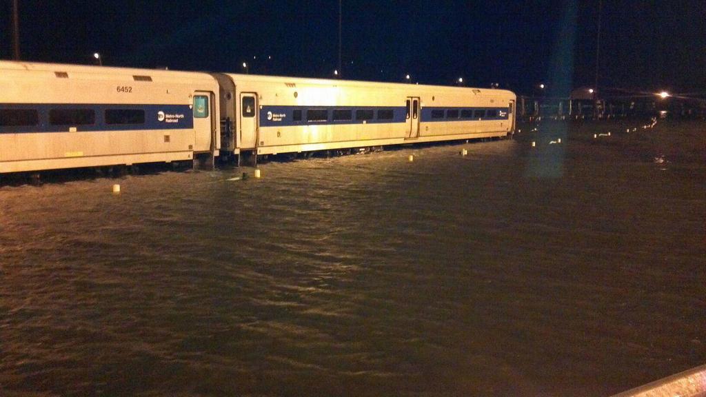 Zatopené vlaky nadzemky v Croton-on-Hudson