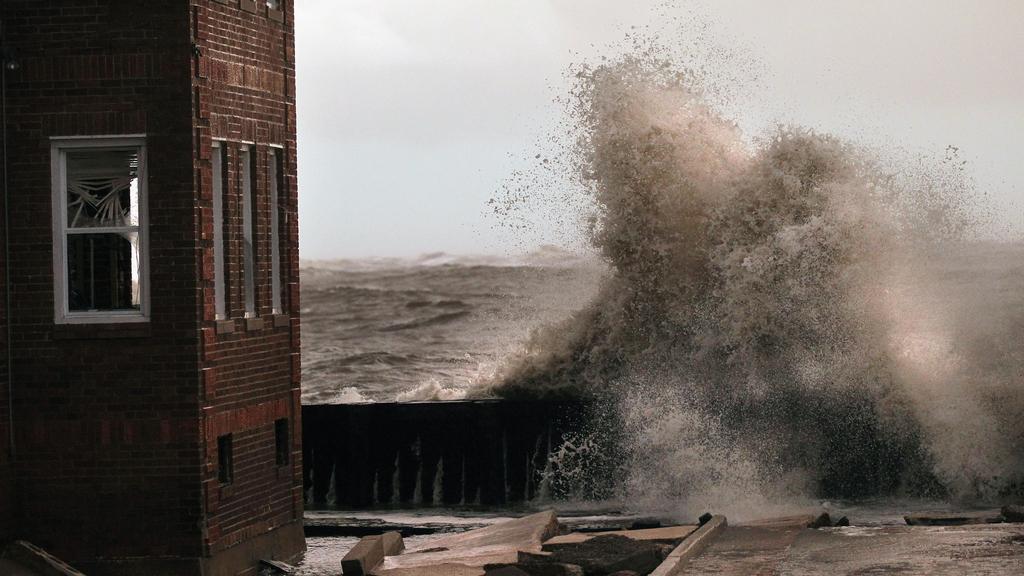 Sandy zdevastovala východní pobřeží USA