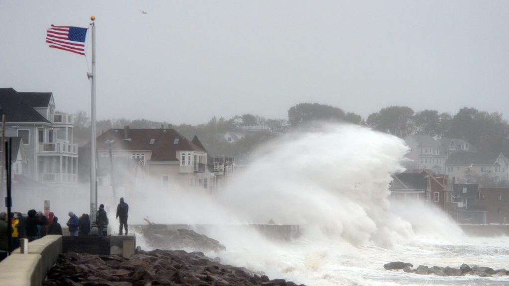 Hurikán Sandy udeřil na pobřeží USA