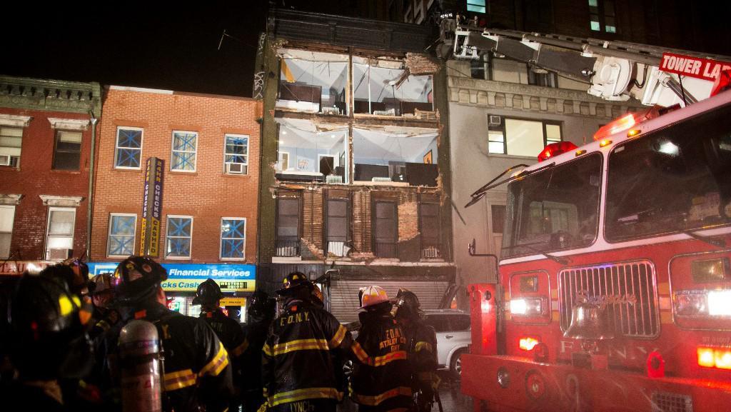 Spadlá fasáda domu v newyorské čtvrti Chelsea