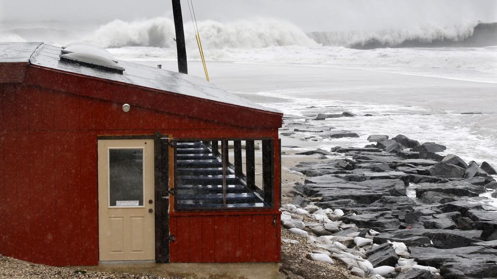 Hurikán Sandy míří k USA