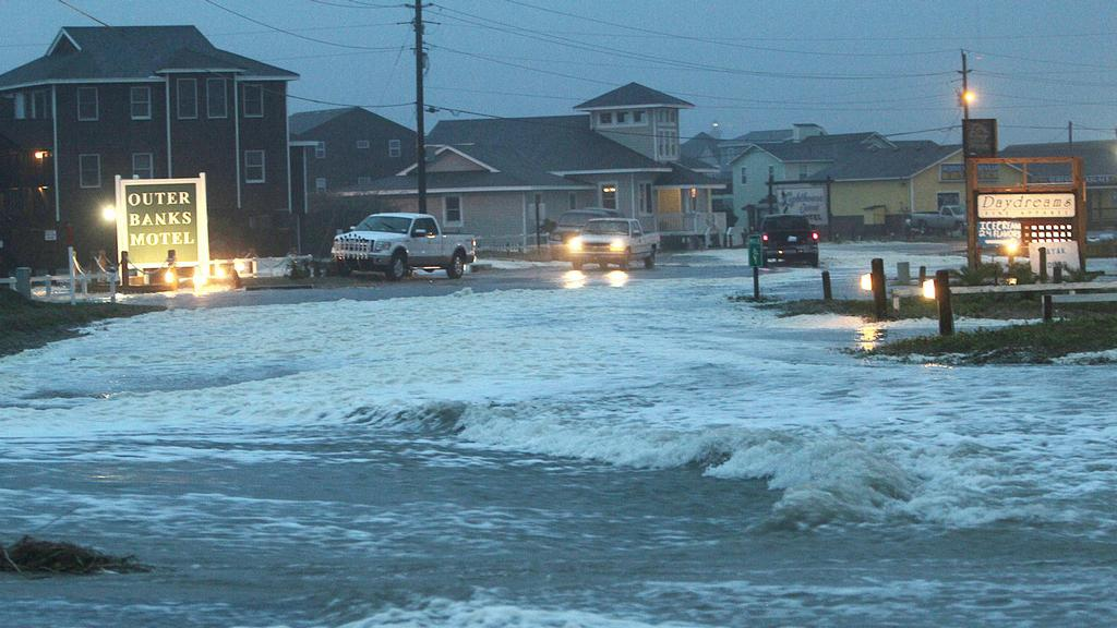 Hurikán Sandy se blíží k pobřeží USA