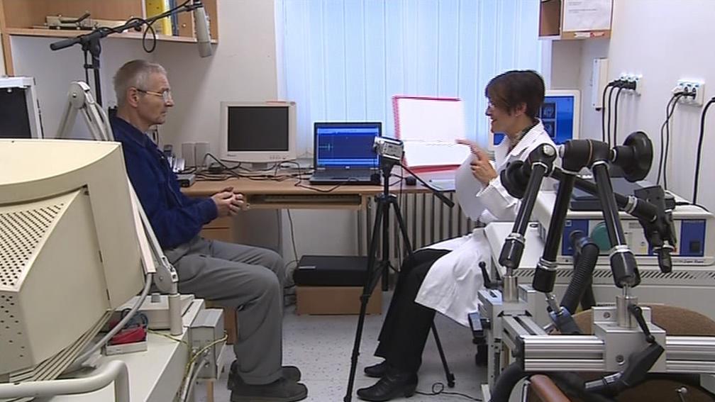 Lékaři už nahráli řeč více než 120 pacientů