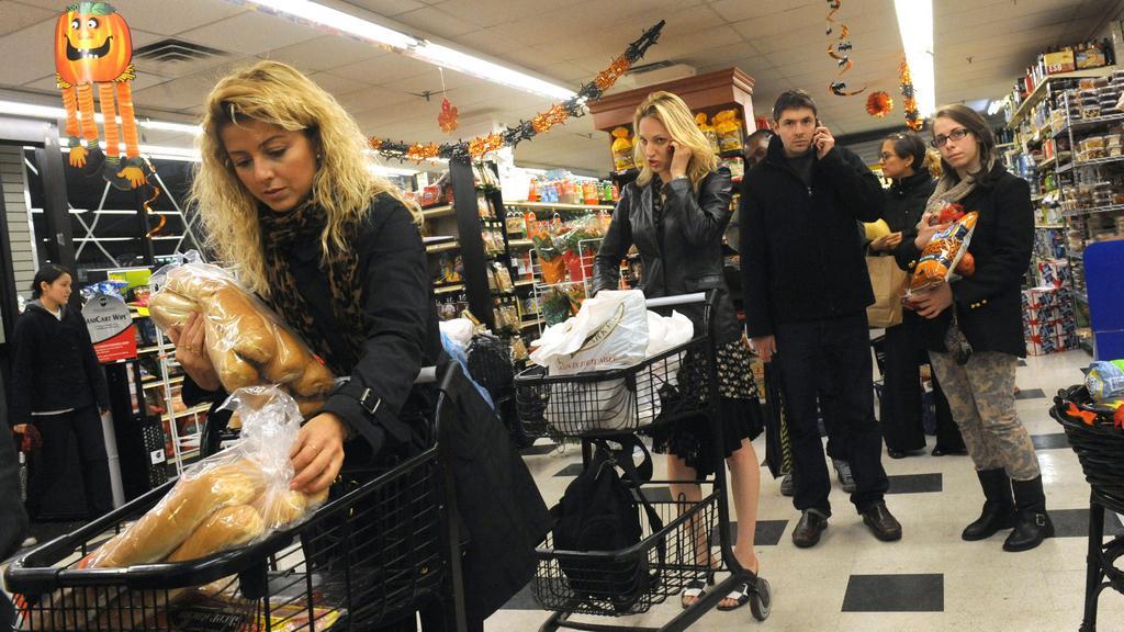 Američané se připravují na příchod Sandy