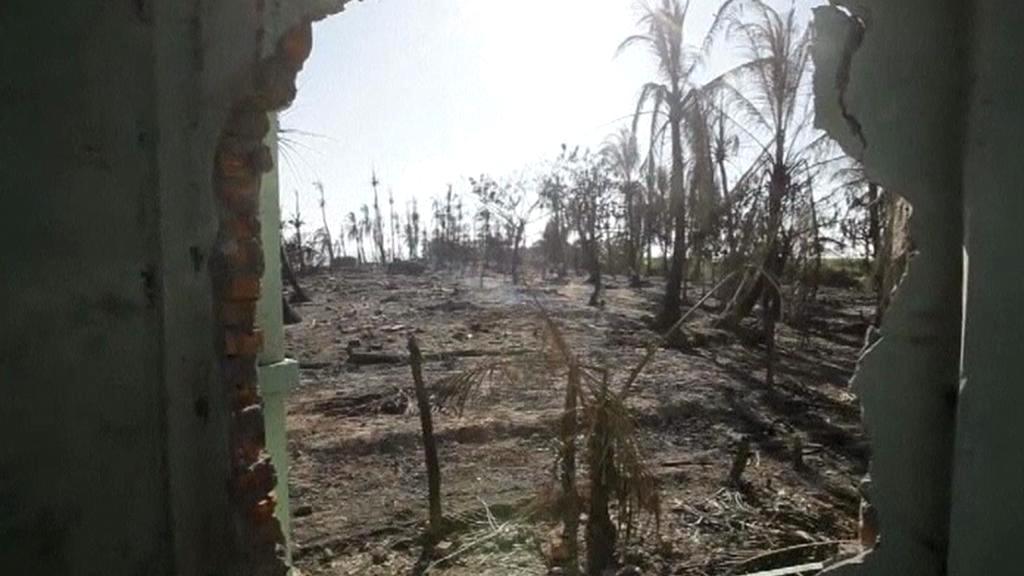 Vypálené území Rohingů v Barmě