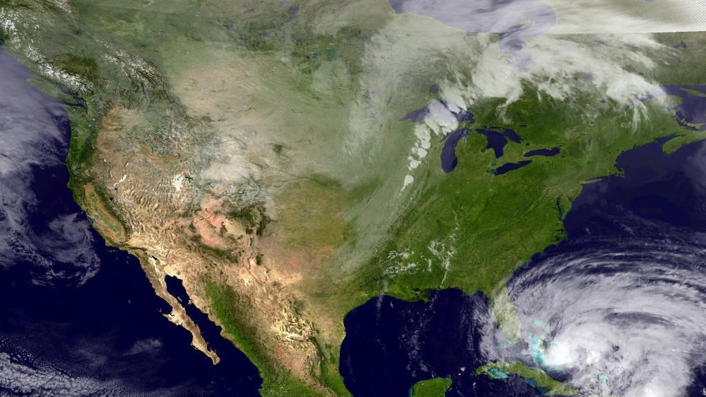 Hurikán Sandy míří k pobřeží Floridy