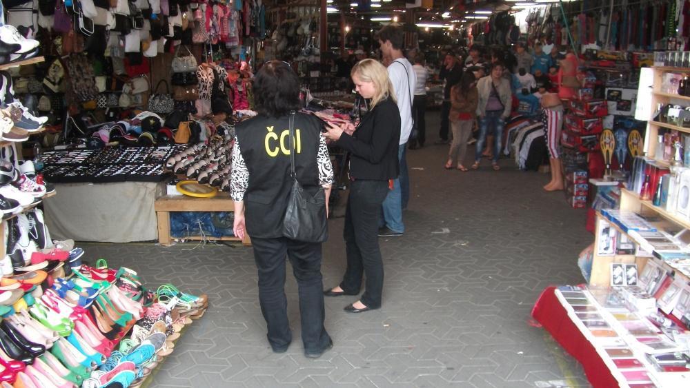 Inspektoři zabavili zboží za statisíce korun