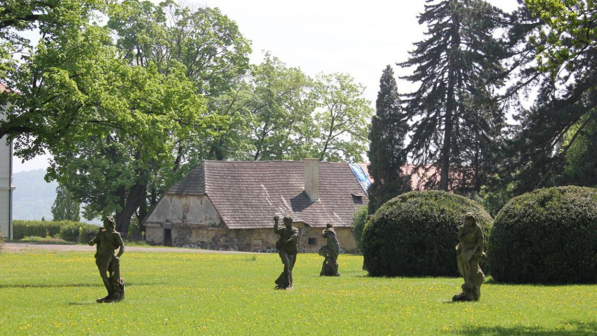 Braunovy sochy ve Valči