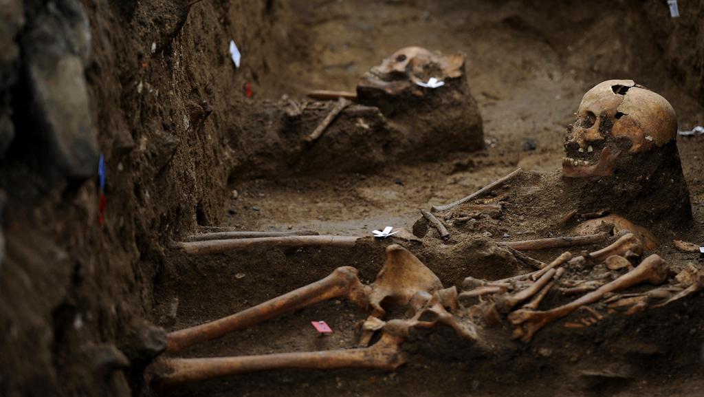 Odhalení středověkého kostela a hrobek v Raspenavě