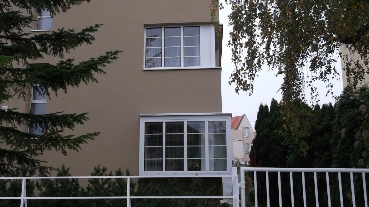 Funkcionalistická památka s novými okny