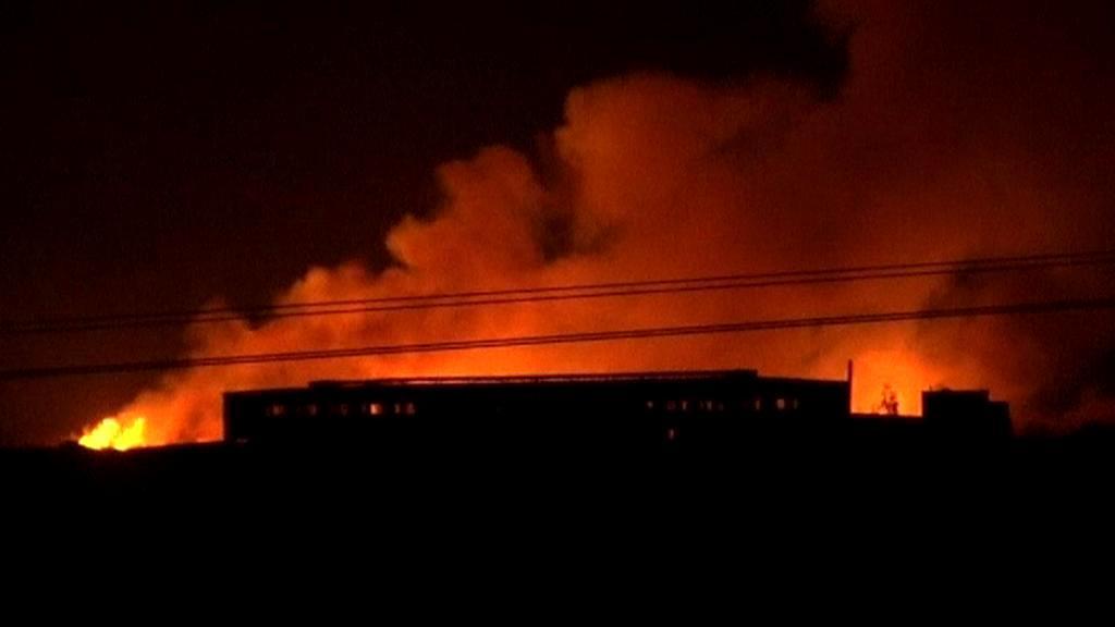 Požár zbrojní továrny v Súdánu