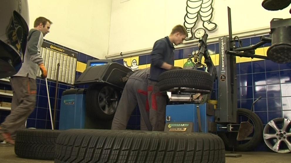 Výměna pneumatik přijde v Brně na několik set korun