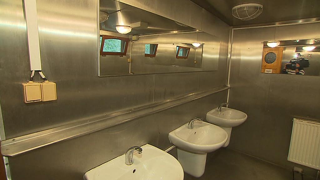 Nová koupelna na lodi Hermes