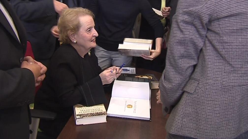Albrightová je původem Češka, narodila se v Praze