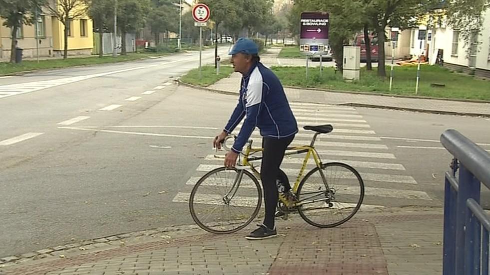V úterý stezku ozkoušeli první cyklisté