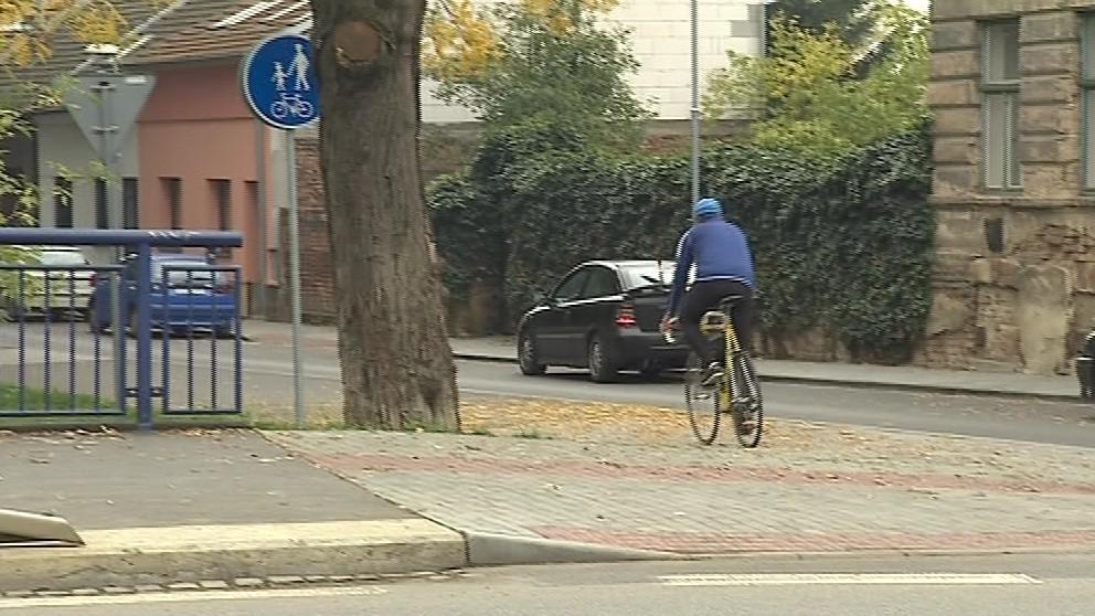 V centru města ještě pruhy pro cyklisty většinou chybí
