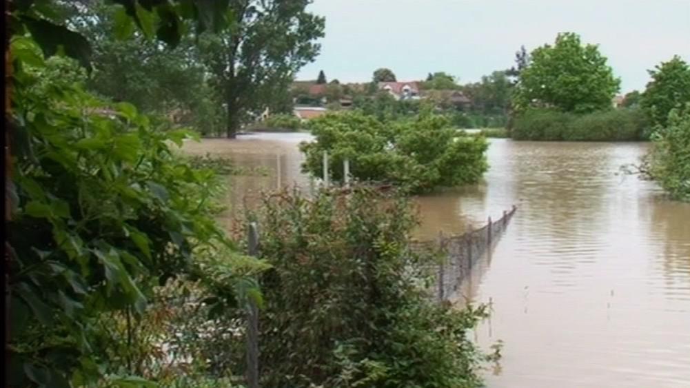 Pravidelné záplavy v Rohatci ničí místním život