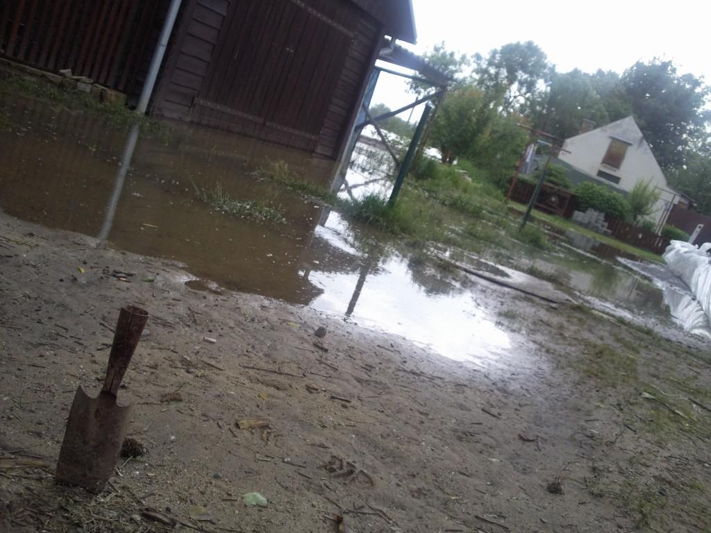 Voda v Rohatci  klesá