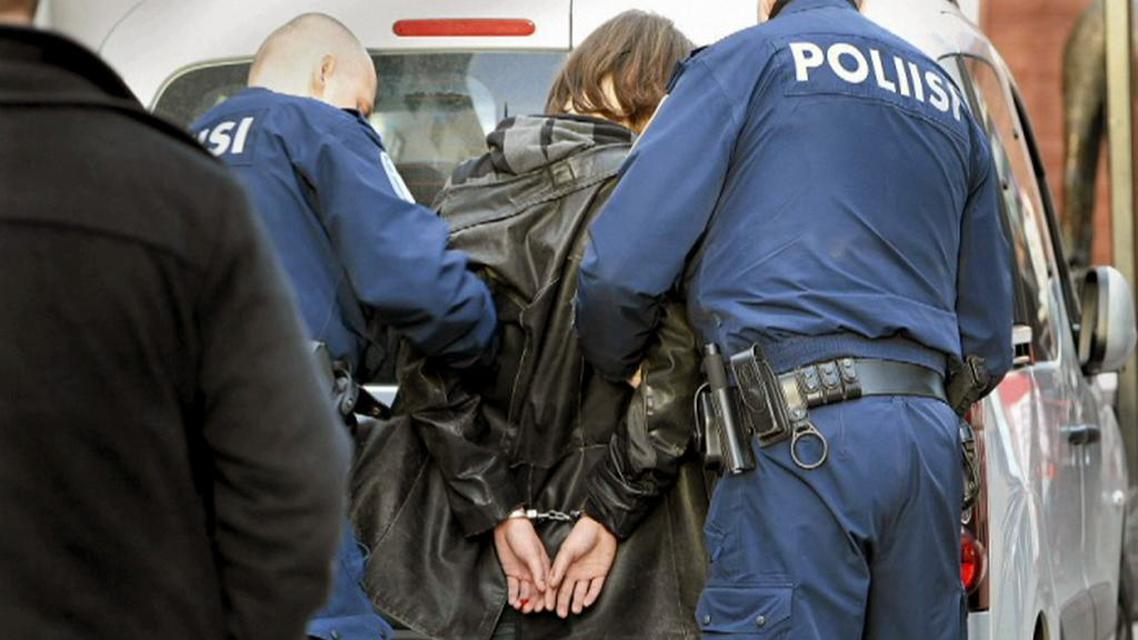 Zadržení muže, který zaútočil na finského premiéra