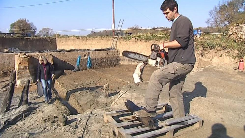 Archeologové odkryli základy mostu na Valech