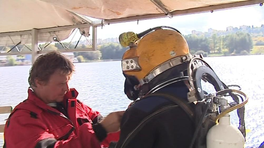 Potapěči se chystají na ponor do přehrady