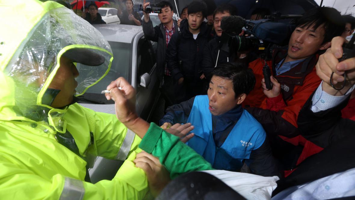 Zásah policie proti aktivistům