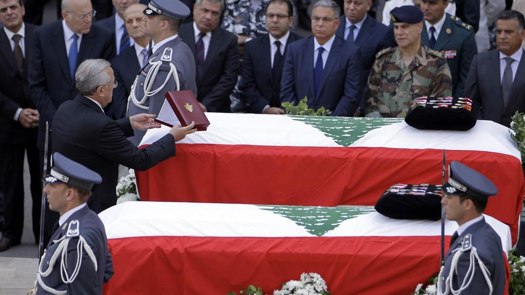 Pohřeb Hasana v Libanonu