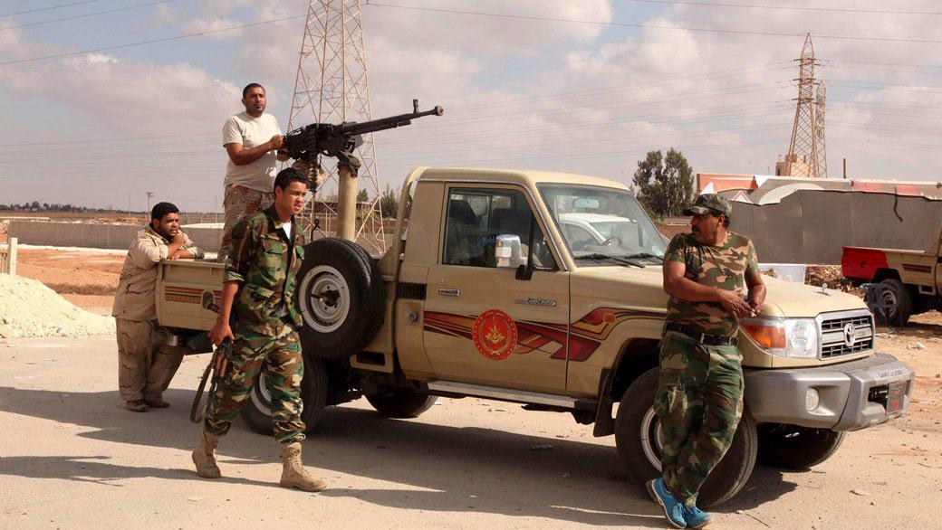 Libyjská armáda hlídkuje